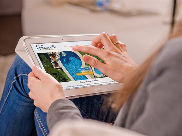 Screenshot of website on a tablet - Holiday rental in Spain